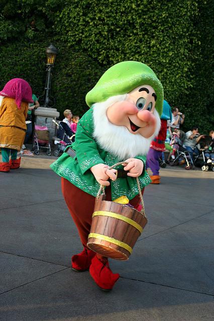 Snow White Happy.jpg